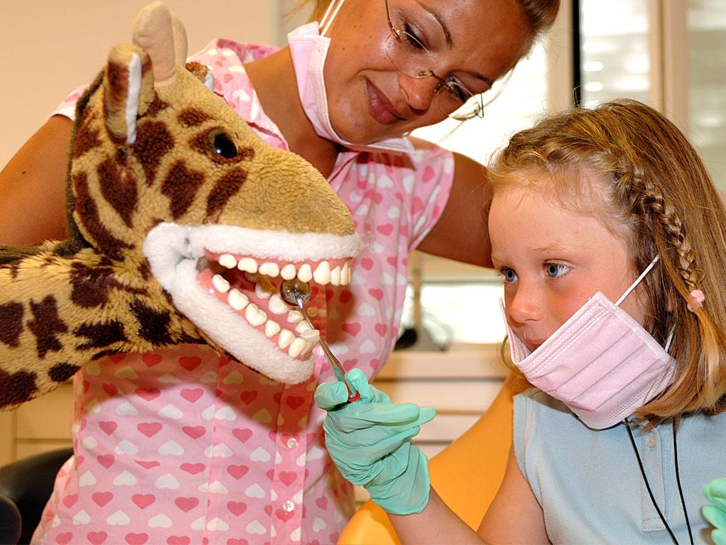 Der erste Zahnarztbesuch – Worauf müssen Sie und Ihre Kinder achten?
