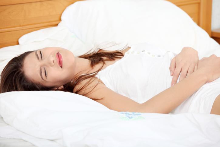 Was können die Ursachen bei Bauchkrämpfen sein?