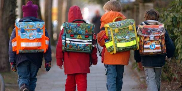 Schulkinder: Ranzen oft zu schwer