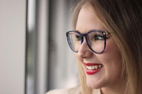 Tolle Brillen Trends peppen auch 2015 die Mode auf