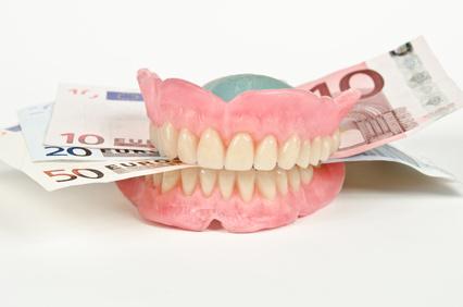 Zahnzusatzversicherungen vergleichen und Geld sparen