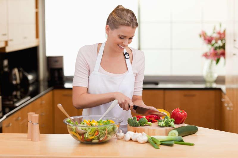 Möchte man gesund abnehmen, sollte man am besten folgende Tipps beachten: