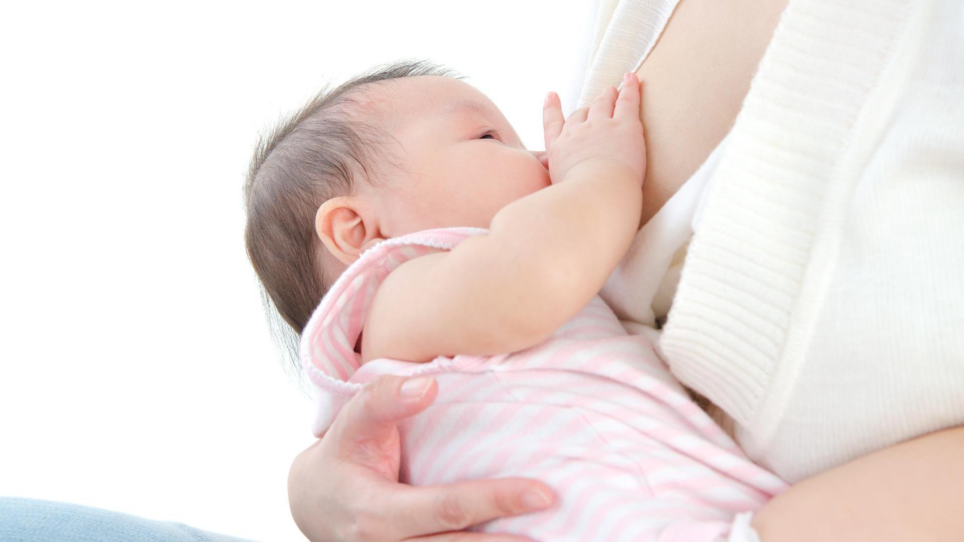 Muttermilch – Leider wird zu oft auf das Stillen mit Muttermilch verzichtet